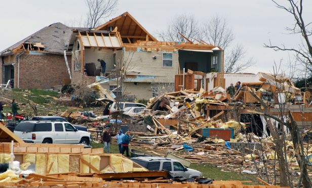 Fine Tornado And Severe Weather Insurance Checklist Home Interior And Landscaping Oversignezvosmurscom