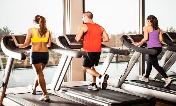 Trends like high-intensity interval training, water-based workouts, functional fitness training and body weight training have taken over the fitness scene. Fitness club owners should share new training trends with their insurance agents and consider any new potential exposures. (Photo: iStock)