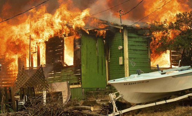 Residence burns