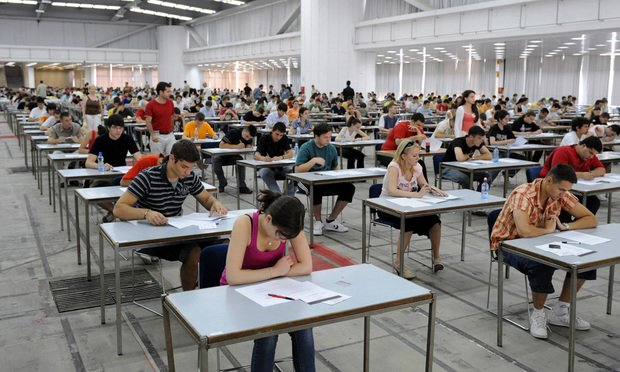 Students-desks-examination-hall