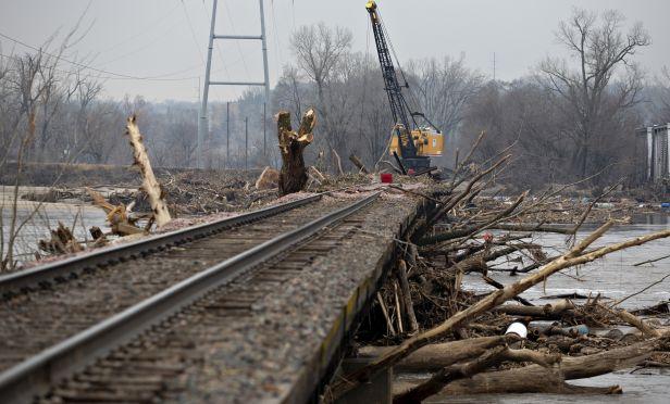 Damage rail bridge