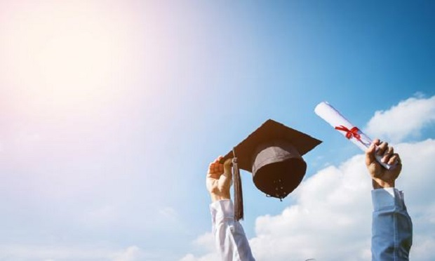 OneBeacon Insurance Group has awarded sixteen $2,000 college scholarships to children of OneBeacon employees and children of the company's distribution partners. (Photo: Shutterstock)