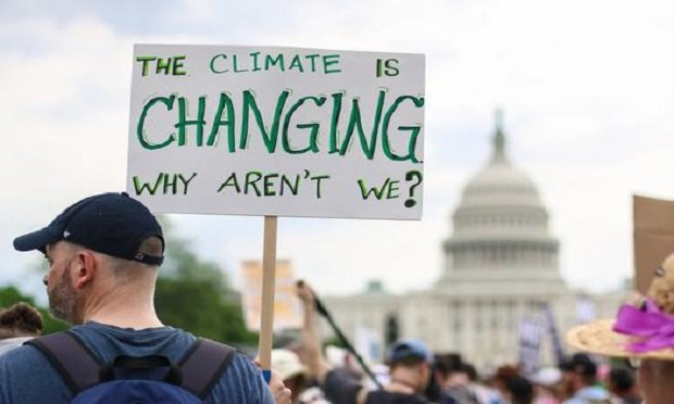 Washington, D.C., April 29, 2017: Thousands of people attend the People's Climate March to stand up against climate change. (Photo: Shutterstock)
