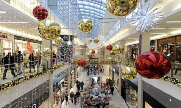 Over the 2018 holiday buildup period, employment in retail trade increased by 583,000, says the U.S. Bureau of Labor Statistics. (Photo: Shutterstock)