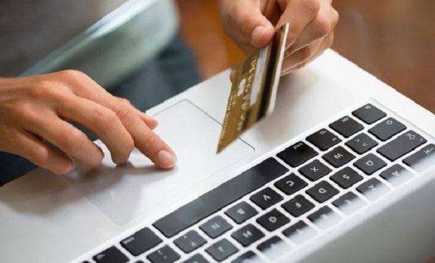 As today's insurance shoppers near a purchase, they often turn to the online community seeking validation. (Photo: iStock)