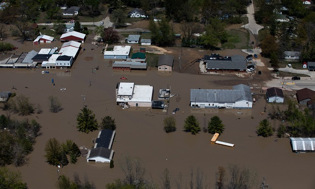 Buildings surrounded by flood water in Midland, Michigan. (Photo: Bloomberg)