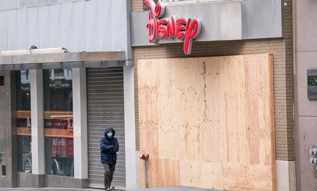 A retail store closed due to COVID-19 shutdowns. (Photo: Paul Morris/Bloomberg)