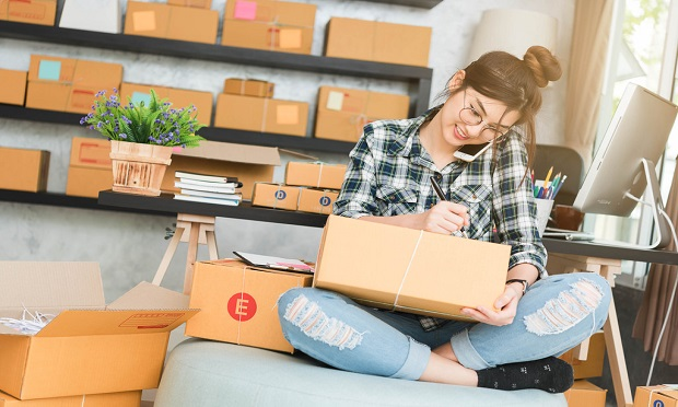 As the COVID-19 pandemic alters the way we all work, insurance agents can speak with clients about how their work is changing and ask if they are starting a home-based business. (Photo: Shutterstock)