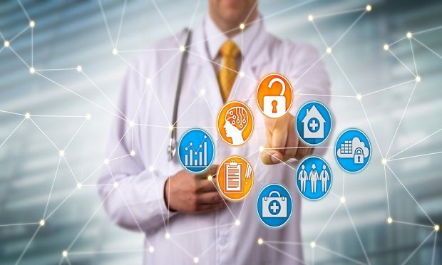 Healthcare organizations increasingly embrace technology to help their teams collect and report COVID-19 data. (Photo: Leo Wolfert/Shutterstock)