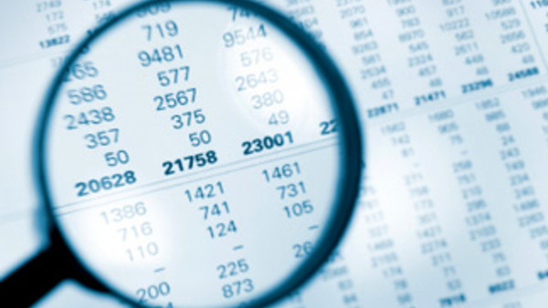 forensic accountant Across a global platform, our professionals assist us and multinational clients with responding to allegations involving the propriety of accounting and financial reporting, fraud, regulatory scrutiny and anti-corruption inquiries.