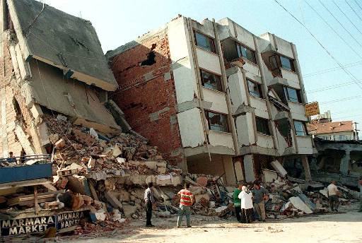 izmit earthquake 1999 The earthquake and tsunami of august 17, 1999 in the sea of marmara 1999 izmit earthquake was the eleventh of such a series that have broken segments of the.