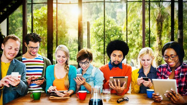 Social media provides a powerful way to attract young workers to the insurance industry. (Photo: Shutterstock.com)
