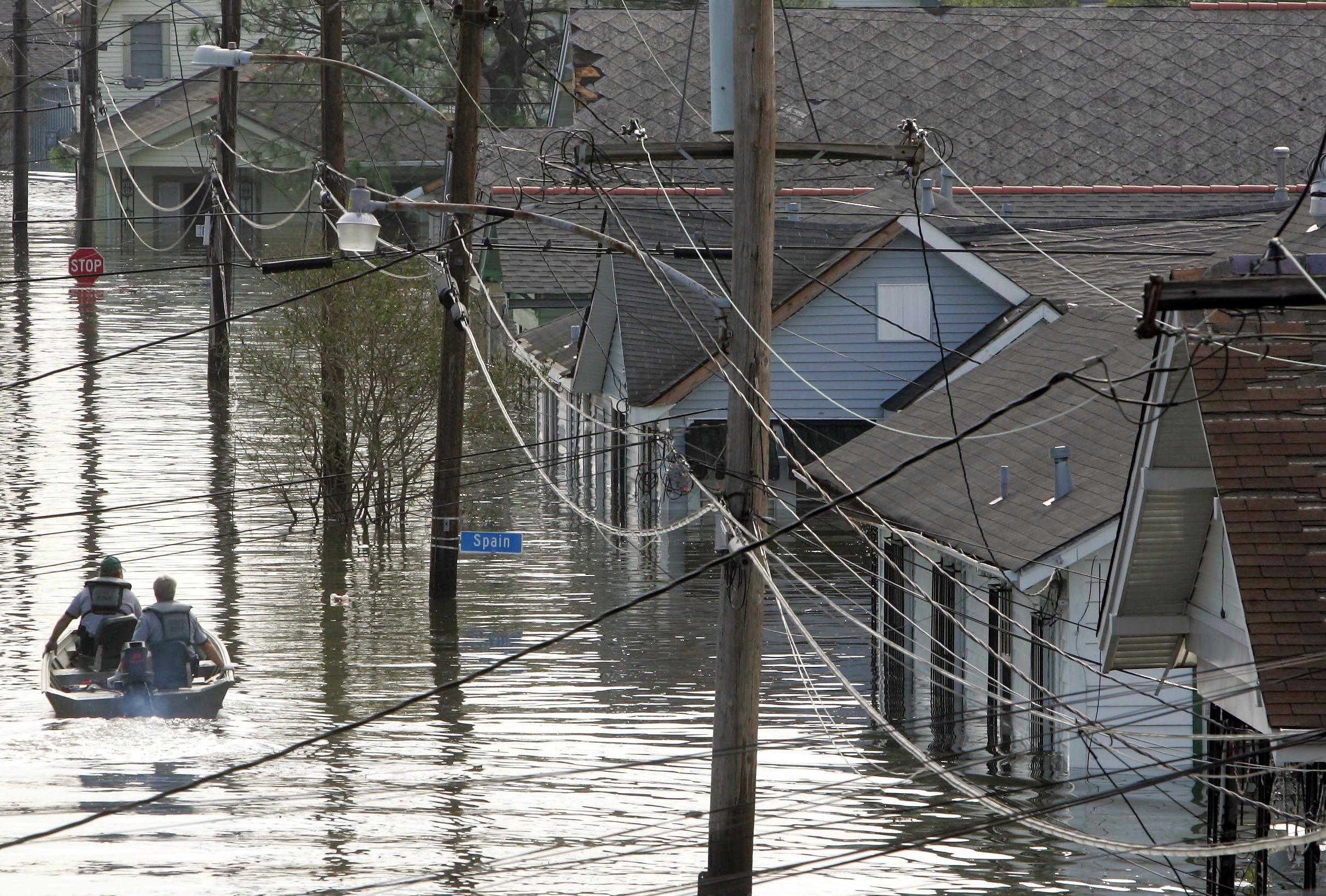 Rescuers-in-boat-NOLA-Katrina-AP_050827013918-Dave Martin
