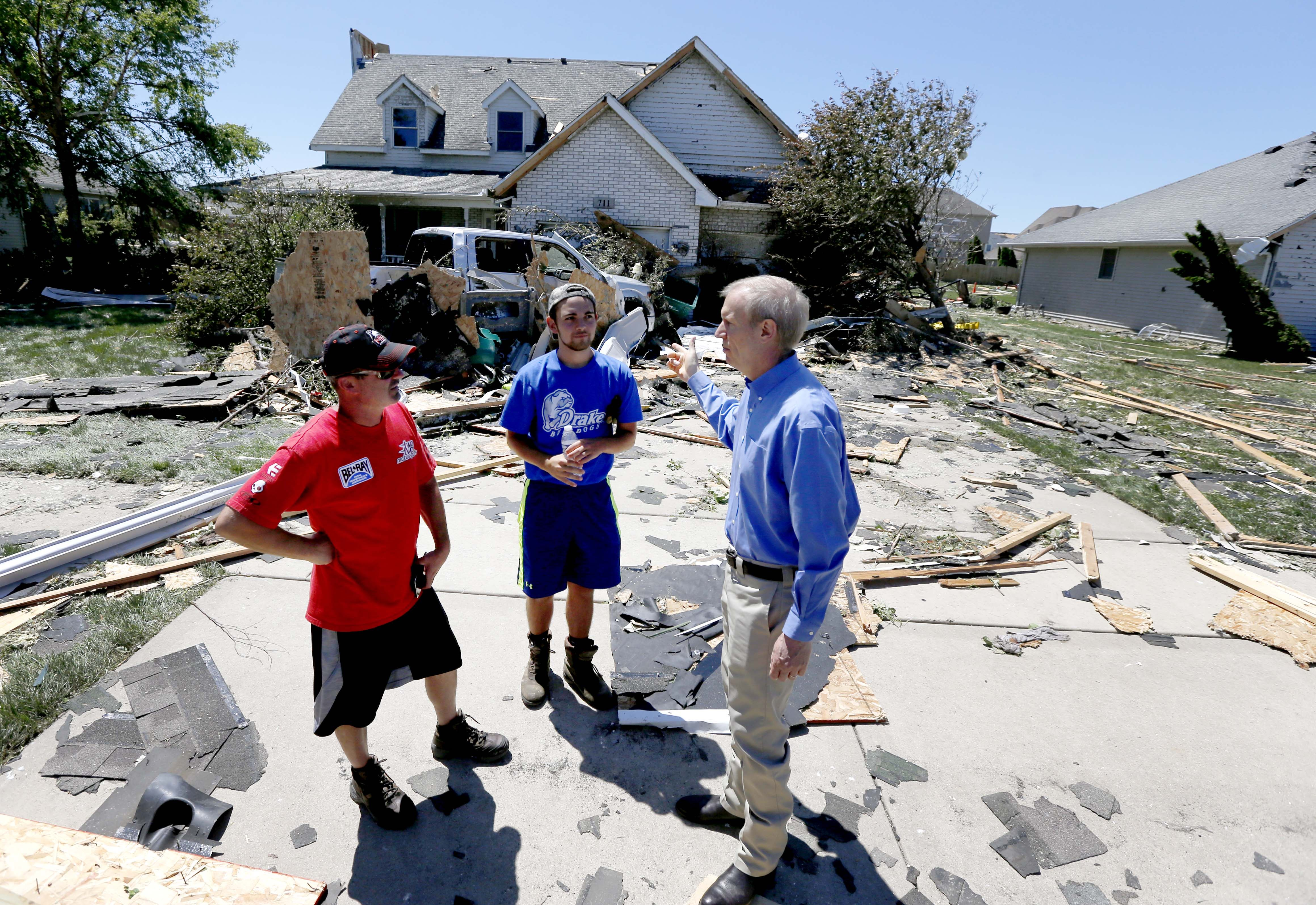 storm damaged home in Coal City, Ill.