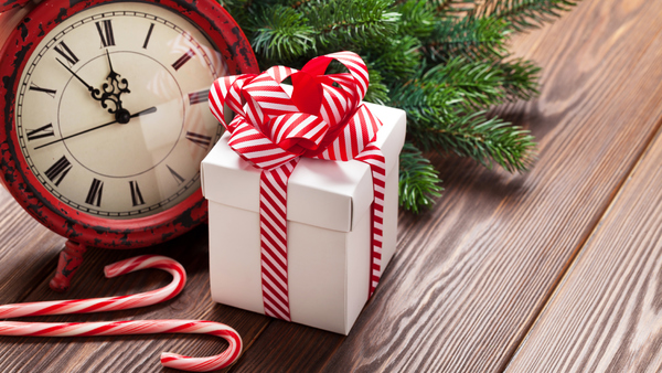 It's always nice to give a little extra during the high-stress holiday season. (Photo: ThinkStock)