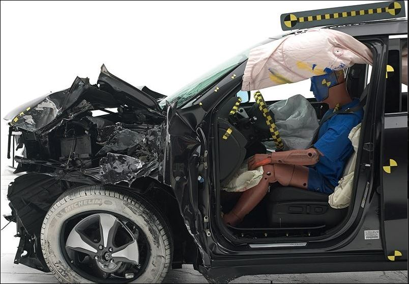 Dummy's position in 2016 Acura MDX IIHS small overlap frontal crash test