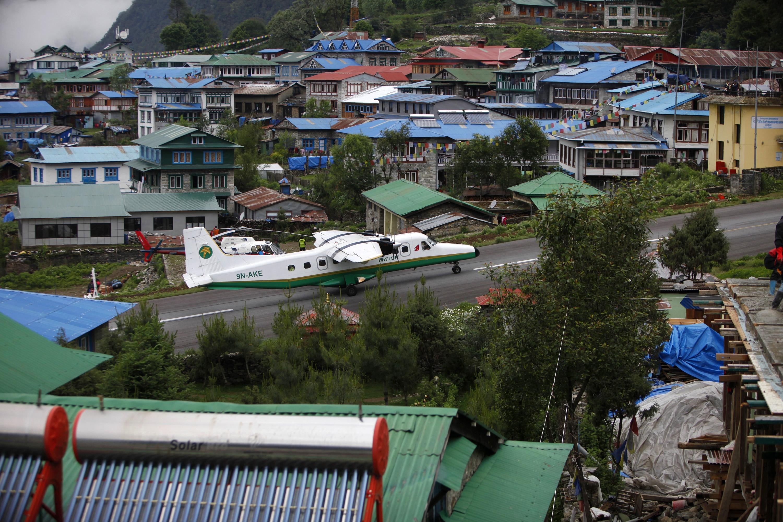 Nepal-Everest-Airport-AP_344910471817-Niranjan Shrestha