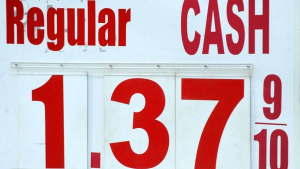 A $1.39 price per gallon is seen here in North Plainfied, N.J. on Jan. 20, 2016. (AP Photo/Dennis Van Tine/Star Max)