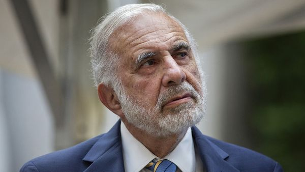 Carl Icahn, the activist investor calling for a breakup of American International Group Inc., said the alternative plan presented last week by the AIG CEO was inadequate. (AP Photo)
