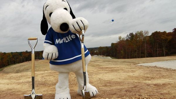 MetLife Snoopy starts company's groundbreaking on their global technology hub in Cary, N.C. on Friday, Nov. 1, 2013. (AP IMAGES FOR MetLife, Inc. Photo/Jim R. Bounds)