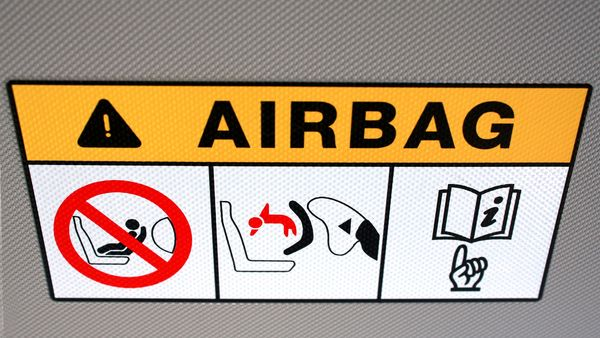 Continental air bags' power-control units may corrode and interrupt electrical connections, causing the devices to either deploy inadvertently or fail to activate. (Photo: Thinkstock)