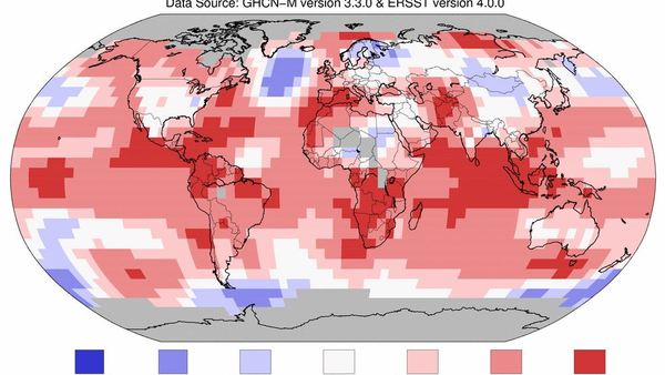 There's a decent chance 2016 will turn out to be the third straight year to set a new temperature record. (Image: NOAA)