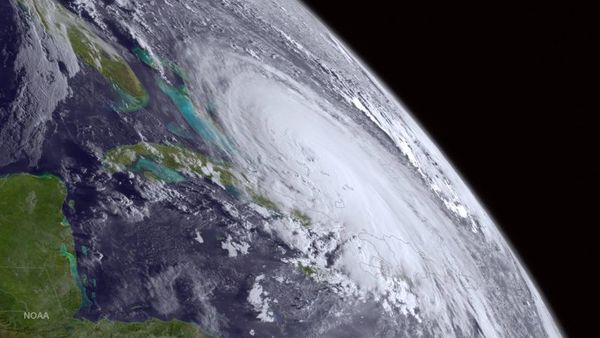 This satellite image taken Oct. 1, 2015, and released by the National Oceanic and Atmospheric Administration, shows Hurricane Joaquin. (Photo: NOAA via AP Photo)