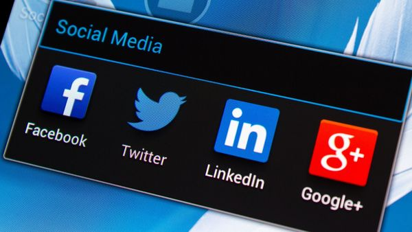 The speed of social media gives you the power to stay up to date and aware in a time when risks quickly emerge. (Photo: Thinkstock)