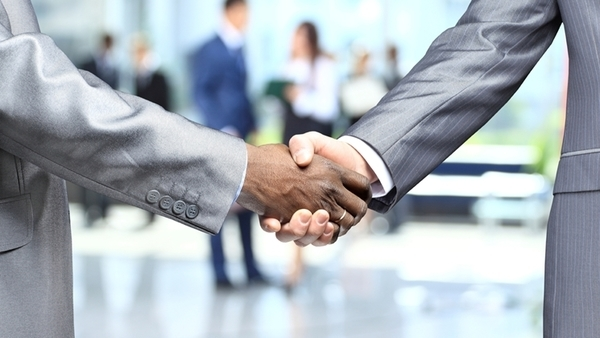When prospects see that salespeople aren't putting on an act, it sends a powerful message that dispels doubt and attracts customers. It's called trust. (Photo: iStock)