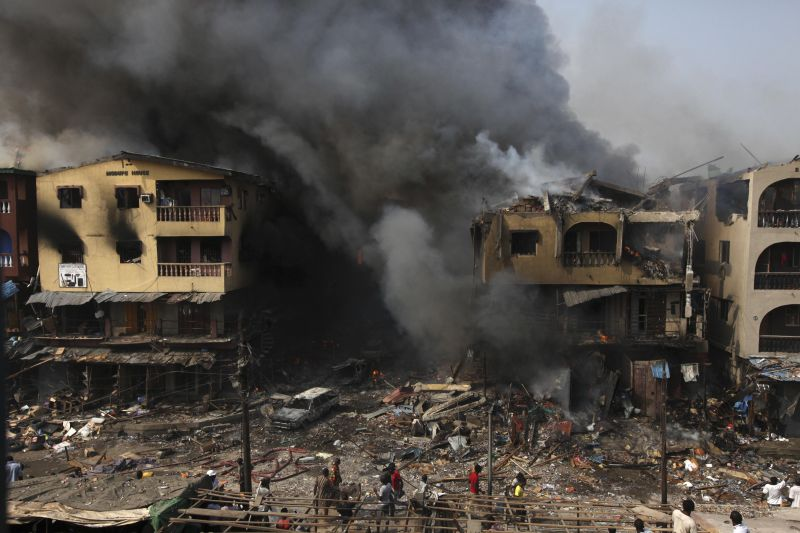 fire burns out a residential homes and a warehouse on Lagos Island