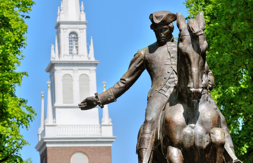 Old-North-Church-and-Paul-Revere-statue