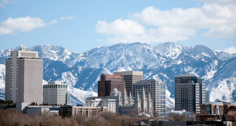 Salt-Lake-City-with-mountains