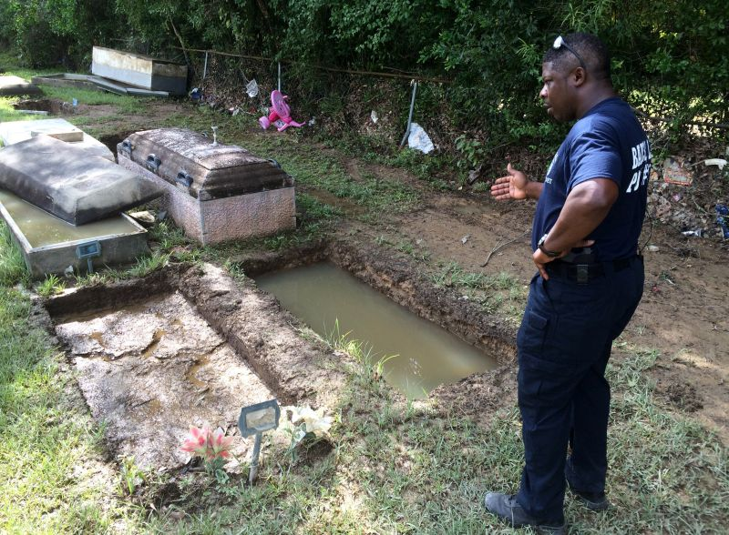 grave of grandmother gone due to flooding