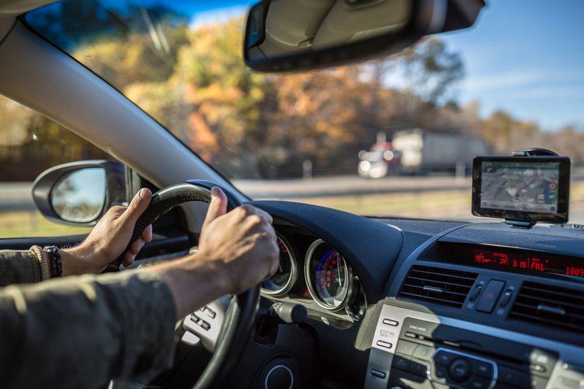 cellular phones and dangerous driving habits