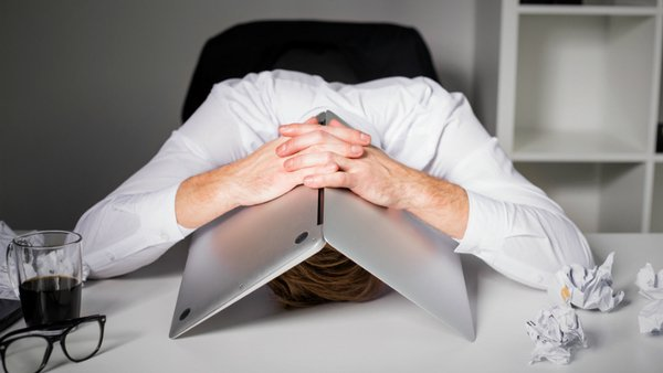 More often than not, it's self-justifying and defensive attitudes that kill success. (Photo: iStock)