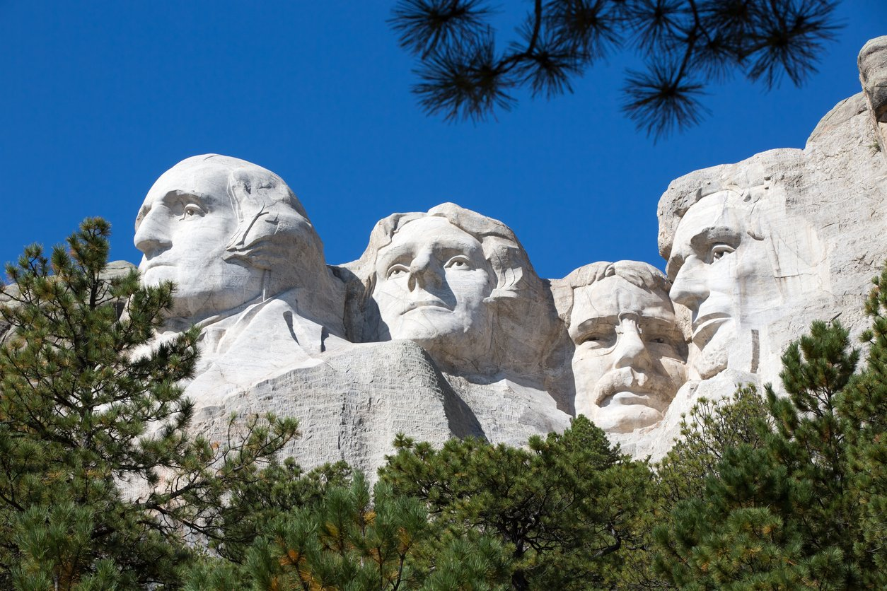 Sculpture of presidents on Mount Rushmore