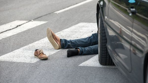 As the economy recovered, Americans spent more time on the road, and motorists started killing pedestrians at a pre-recession pace. (Photo: iStock)