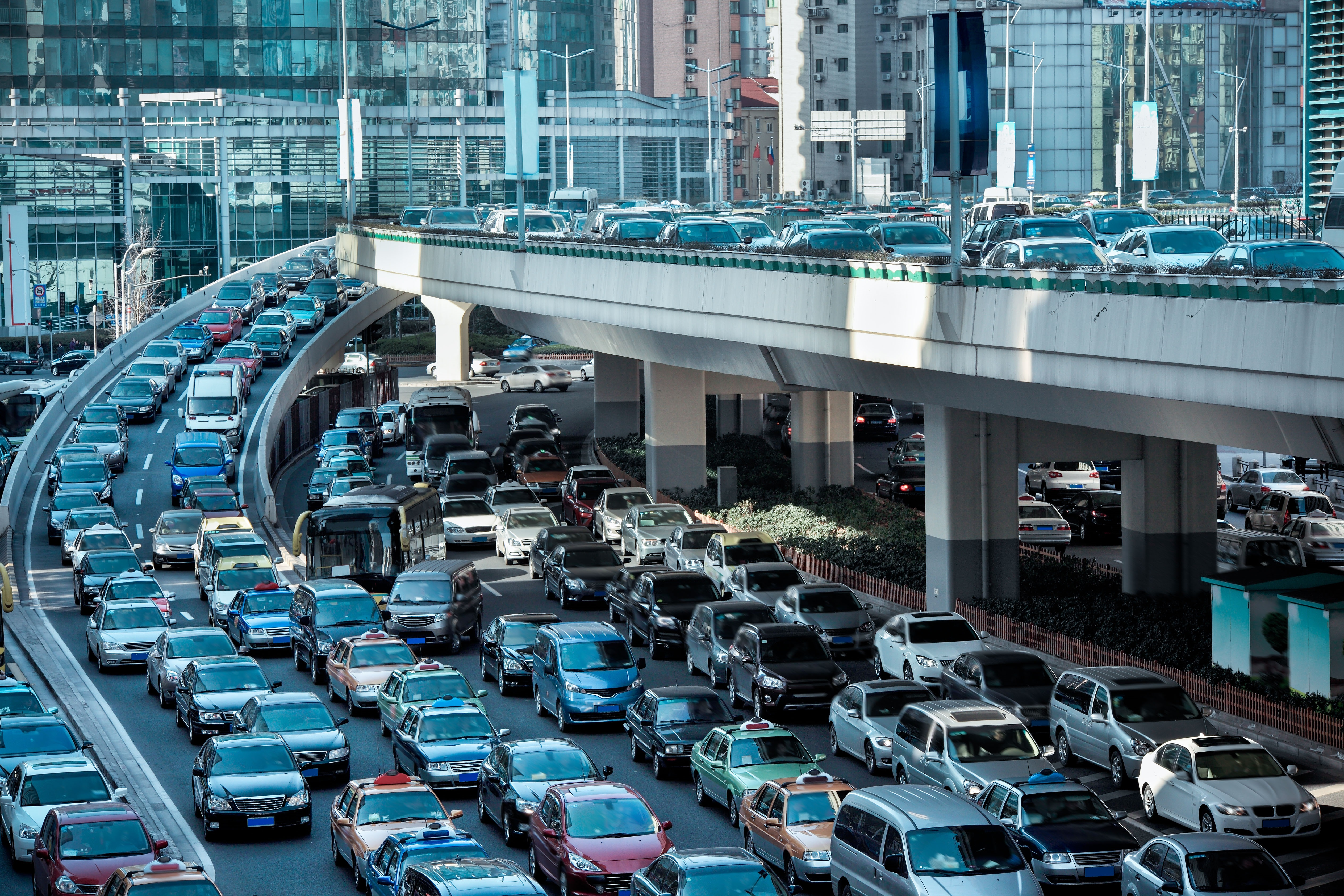 5 reasons why auto accidents are on the rise   PropertyCasualty360