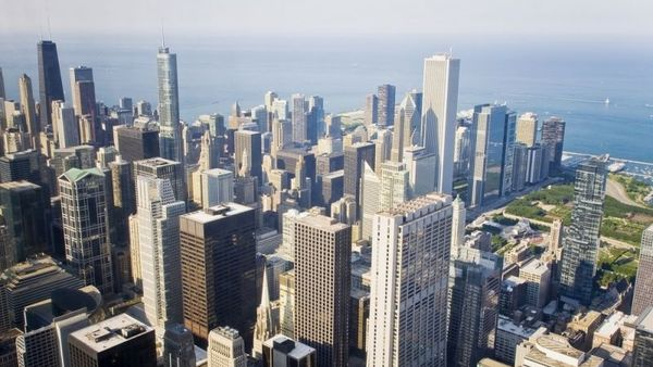 An aerial view of Chicago, Illinois. (Photo: Shutterstock)
