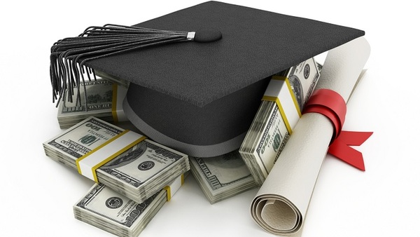 The merit-based Sedgwick/Penman scholarship will be awarded annually to one undergraduate college student who is studying risk management, insurance, actuarial science or business. (Photo: iStock)