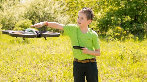 The decision by the U.S. Court of Appeals in Washington left intact FAA guidance on restrictions over where recreational drones may fly. (Photo: Thinkstock)