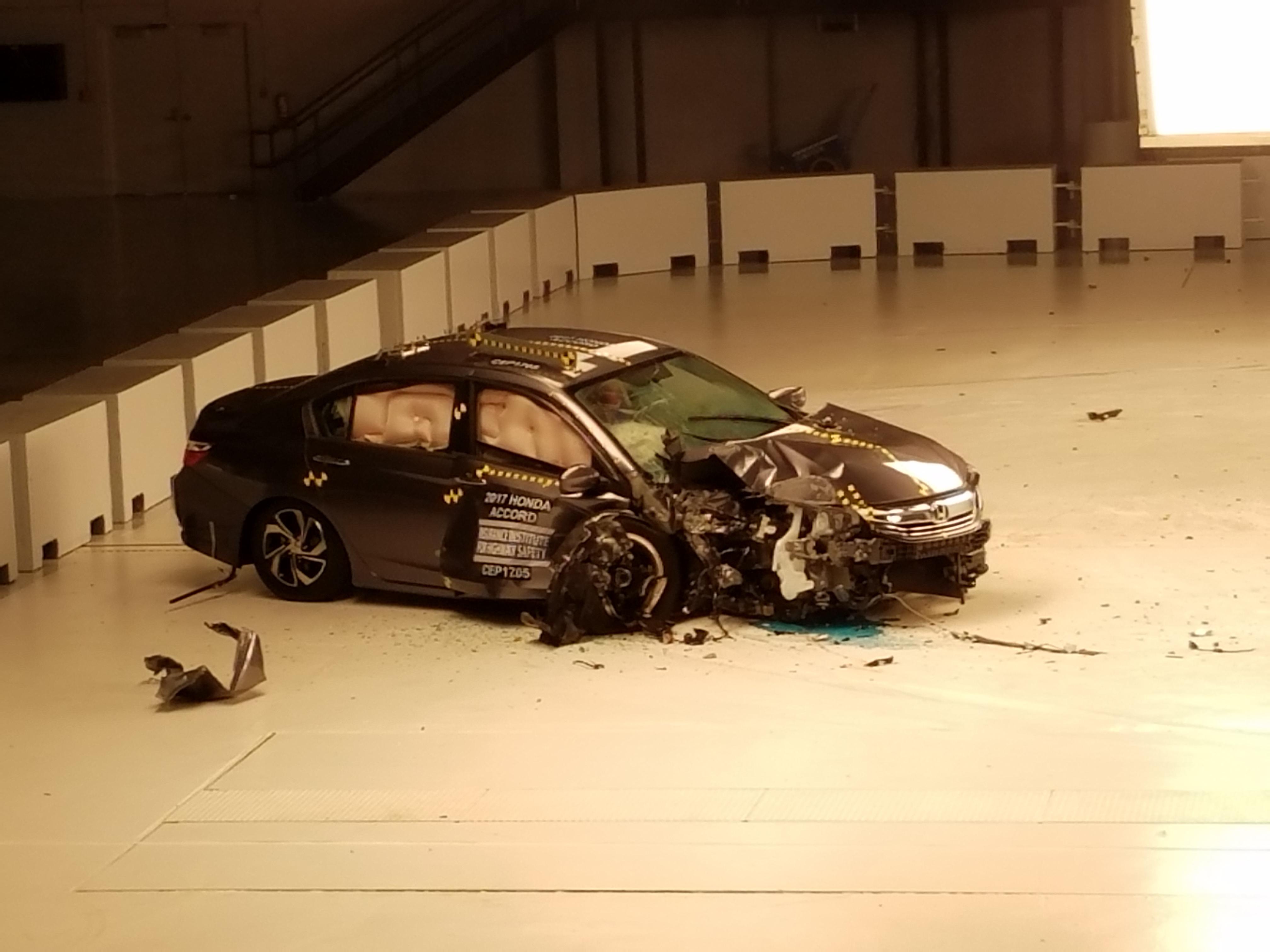 IIHS side impact crash test