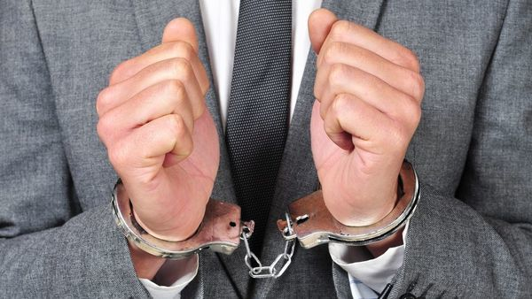 Most of the arrested attorneys face a slew of felony charges over allegations they paid for referrals from tow truck drivers, auto repair employees and others with access to car accident reports. (Photo: Shutterstock)
