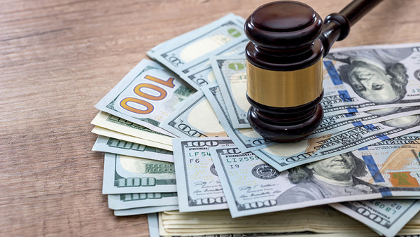 An insured was able to collect on his uninsured motorist coverage in addition to his workers' compensation claim in a recent Georgia case. (Photo: Shutterstock)