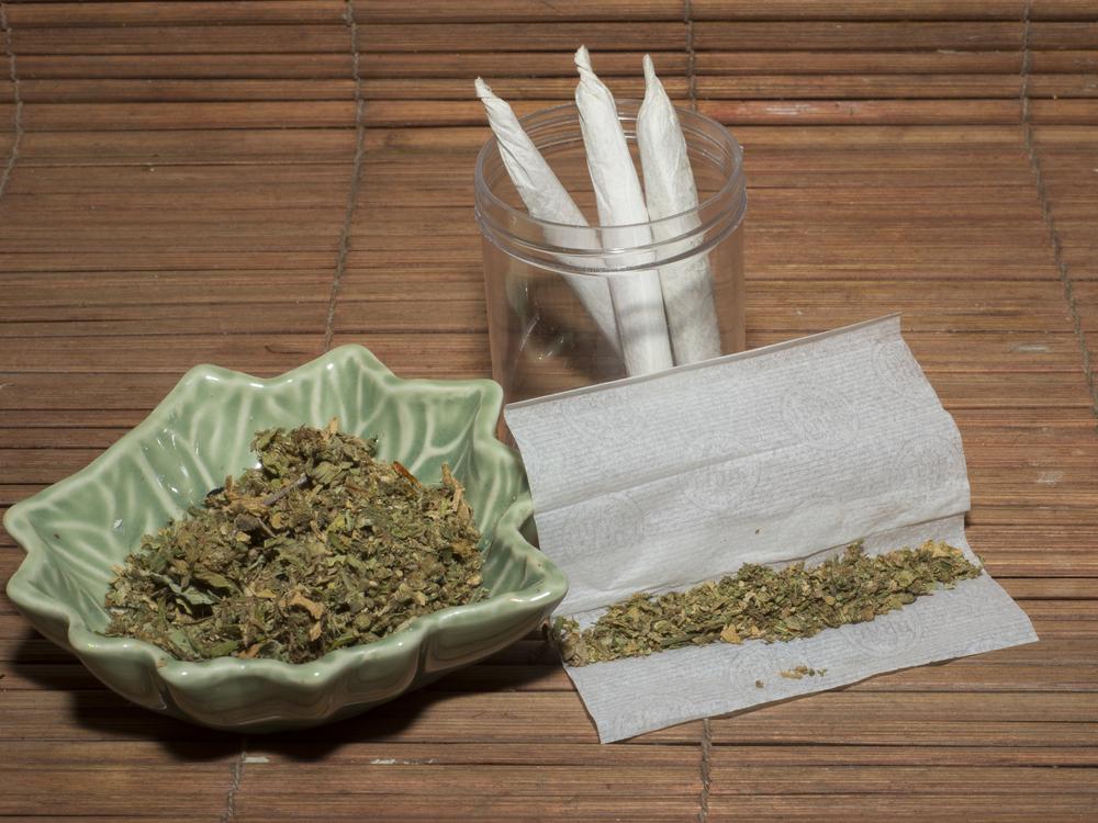 medical marijuana paraphenalia