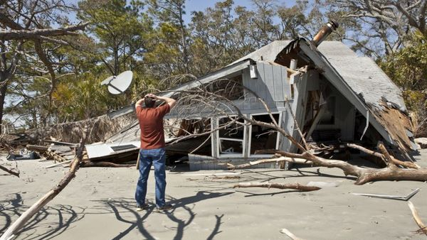 The damage repair process provides insurers with an opportunity to serve their policyholders in a very tangible way. (Photo: iStock)
