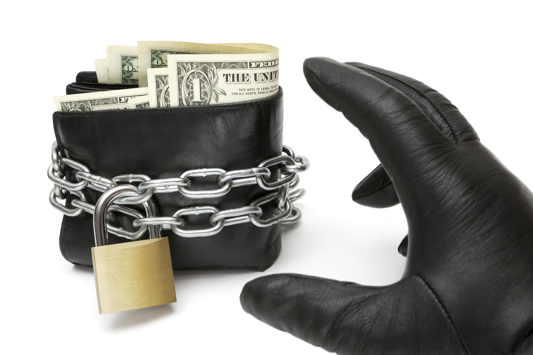 Keep your wallet or purse secure and not easy for thieves to grab. (Photo: iStock)