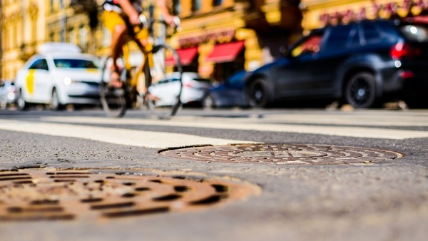 In 2015, a total of 817 cyclists were killed in crashes with motor vehicles. (Photo: Shutterstock)